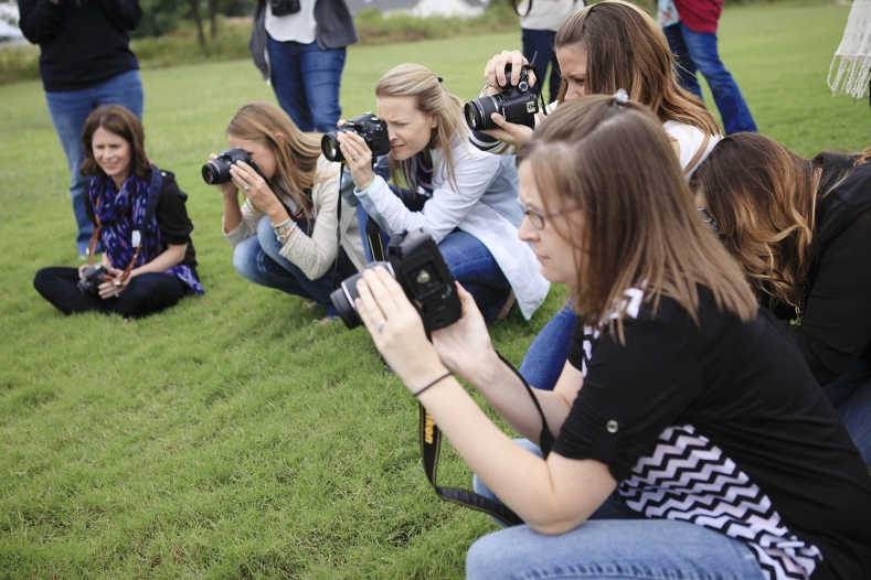 Mamarazzi of Tulsa - An Oklahoma Photography Class teaching Moms how to use their digital SLR cameras