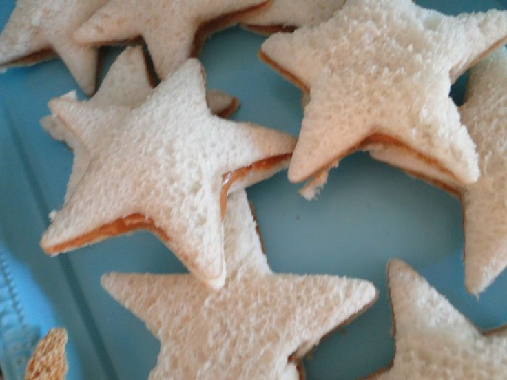 These Star Peanut Butter & Jelly Sandwiches make a fun 4th of July Recipe for Kids